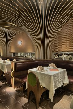 Image 6 of 16 from gallery of Pak Loh Times Square Restaurant / NC Design & Architecture. Photograph by Nathaniel McMahon Interior Design Photos, Bar Interior, Restaurant Interior Design, Design Café, Cafe Design, Architecture Restaurant, Architecture Design, Commercial Design, Commercial Interiors