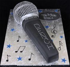 004017 Microphone Birthday Cake for Bizzle.jpg 1,036×1,000 pixels