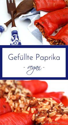 Gefüllte Paprika: Mit einer veganen Füllung aus herbem Wildreis und rotem Quinoa wird der Klassiker der mediterranen Küche für alle zum Gaumenschmaus. #filizity #rezept #recipe #paprika #quinoa #wildreis #vegan #veggie #vegetarisch