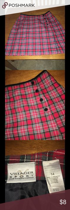 Villager Sport (Liz Claiborne) Size 14 Plaid Skirt Red plaid skirt with button accents.  Black velvet buttons and waist trim.  From Villager Sport size 14.  Fully lined.  Excellent condition!   Important:   All items are freshly laundered as applicable prior to shipping (new items and shoes excluded).  Not all my items are from pet/smoke free homes.  Price is reduced to reflect this!   Thank you for looking! Liz Claiborne Skirts