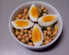 Garbanzos con espinacas y huevo cocido - building my new body
