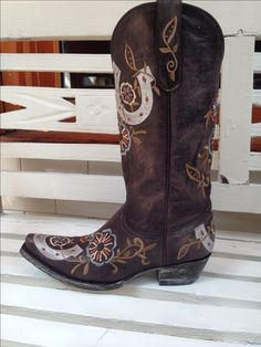 -Custom Old Gringo Luckenbach boot. Cowgirl Chic, Cowgirl Style, Western Style, Cowgirl Boots, Western Boots, Old Boots, Shoe Boots, Boot Scootin Boogie, Boots Store