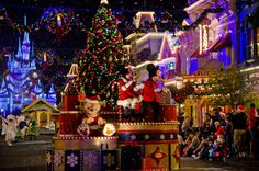 Mickey's Very Merry Christmas Party Review & Tips