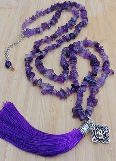 Colar longo de Ametista no Elo7 | Luparreira Japamalas (ED79AC) Beaded Earrings, Tassel Necklace, Beaded Jewelry, Diy Crafts Jewelry, Handmade Jewelry, Fabric Yarn, Jewelry Design, Jewelry Making, Beaded Collar