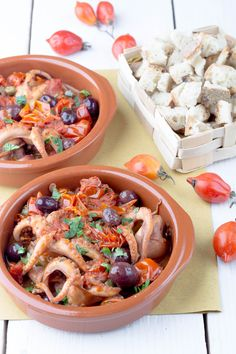 Polipetti affogati Fish Stew, Antipasto, Fish And Seafood, Seafood Recipes, Food Styling, Pasta Salad, Good Food, Food And Drink, Cooking