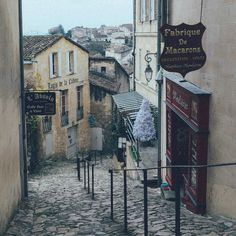Memories from the frozen foggy mornings in France...I loved Saint Emilion  even though everything was closed.