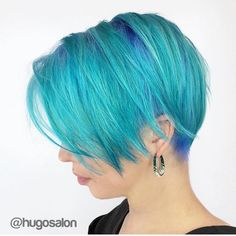 #flashbackfriday #fbf  Do you remember this beautiful blue and vibrant turquoise color design atop a chic, short cut? Stylist: @doug_theo #hotonbeauty Nouveau Look, Hair Color Blue, Light Blue Hair, Hair Color And Cut, Hair Colours, Funky Hairstyles, Rainbow Hair, Pixie Bob, Long Pixie