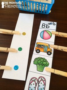 It's Hip to Clip! Beginning sounds practice with self-check! Word Work Activities, Art Activities, Primary Classroom, Future Classroom, Sound Free, Teaching Reading, Teaching Ideas, Common Core Reading, Beginning Sounds