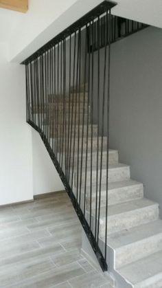 Garde corps stylé pour escalier Home Interior Design, Tiny House, Stairs, Staircase Ideas, Staircases, Architecture, Garden, Home Decor, Windows