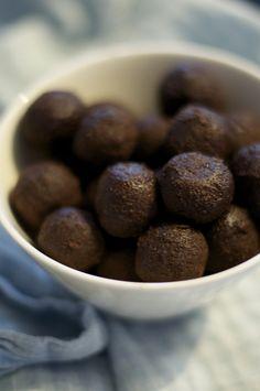 Licorice balls