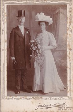 ANTIQUE CABINET PHOTOGRAPH. WEDDING. WELL DRESSED  BRIDE @ GROOM. ST HELENS