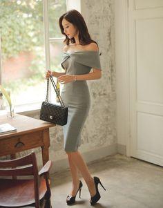 ( *`ω´) If you don't like what you see❤, please be kind and just move along. Fashion Models, Girl Fashion, Fashion Outfits, Womens Fashion, Korean Fashion Dress, Asian Fashion, Tight Dresses, Stylish Dresses, Asian Woman