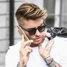 Here is a list of the top short men's hairstyles of2016. You'll find that the most popular short haircutsfor men include quiffs, undercuts, low and high fades, comb overs, side parts, pompadours, slick backs and textured spikes. If you're looking for inspiration before your next haircut, these are the best men's short hairstyles to save …