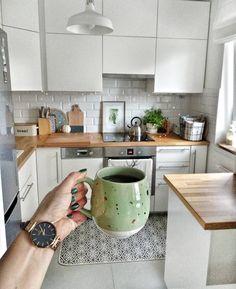 home decor kitchen Boho Kitchen, Kitchen Sets, Home Decor Kitchen, Kitchen Interior, Home Kitchens, Kitchen Dining, Small Apartment Kitchen, Cuisines Design, Tiny House Design