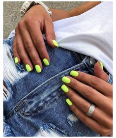 170 stylish short gel nail designs page 36 Neon Green Nails, Bright Nails, Neon Nails, Pink Shellac Nails, Neon Nail Art, Cute Nails, Pretty Nails, Wedding Nail Polish, Short Gel Nails