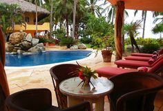 Casa Cielito - San Pancho, Mexico - Luxury, beachfront, fully staffed 6 en-suite bedroom villa - For information and reservations click here: http://www.sanpanchorentals.com/6plusbedroom/casa_cielito.html
