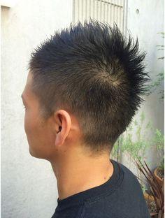 テラス(TERRACE) メンズ ソフトモヒカン Barber Shop Haircuts, Salons, Short Hair Styles, Hair Cuts, Hair Beauty, Short Men, Mens Hair, Men's Hairstyles, Boys