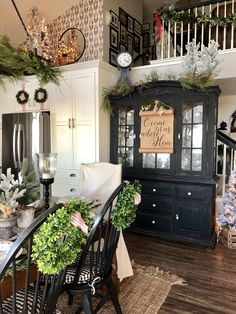 In this post I'm sharing a tour of my home for Christmas. Christmas mantel ideas christmas garland ideas Christmas kitchen Christmas decor ideas Christmas inspiration Christmas table Christmas tree ideas Christmas styling ideas Holiday decor festive home Farmhouse Decor, French Country Decorating, Decor, Country Farmhouse Decor, Farmhouse Dining Room, Country Decor, Christmas Home, Dining Room Decor, Room Decor