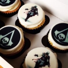 Assassin creed cupcakes
