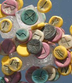 Centro de estudios osiris: Significado de las runas (al derecho)