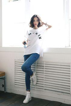 Féminin Tee  #koreanstyle #koreanfashion #casual