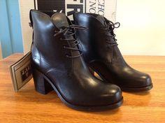 Sale Women Frye Kendall Chukka boots EOnmz L69