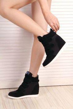 Top-para-Mujer-Alto-Coreano-de-Tacos-Cuna-Oculta-Tenis-Botas-al-Tobillo-Lindo-Caliente-Nuevo. Black wedge sneakers.