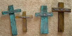 I made these crosses from wooden palettes and a little embellishing for gifts for Mother's Day....