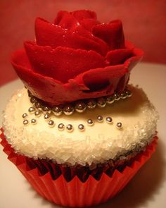 Piped-Buttercream Rose Cupcakes