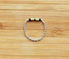Bague sur chaine argent massif perles de Miyuki jaune et noir : Bague par ccedille-bijoux