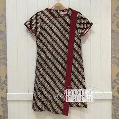 B060634 - IDR295.000 Bustline : 92cm Length : 93cm Fabric: Batik Cap Wonogiri