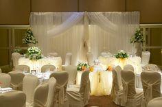 mesas con luz en las bodas