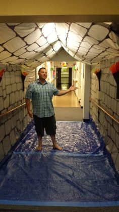 Castle walls made from Dollar Store table cloths