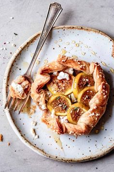 This easy fig galette recipe combines creamy goat cheese, juicy figs, caramelized shallots, and kicky za'atar all tucked into flaky pastry. Drizzled with golden honey, they make a special savory-sweet appetizer for late summer and early fall. Vegetarian, with gluten-free and grain-free options. Fig Recipes, Dessert Recipes, Healthy Desserts, Sweet Recipes, Gluten Free Graham Crackers, Bojon Gourmet, Galette Recipe, Honey Pie, Gluten Free Pie
