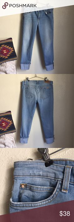 Joe's Jeans Nayeli crops Joe's Jeans Nayeli fit crops. Jeans are in great condition. Signs of wear shown on tags. Size 31. Joe's Jeans Jeans