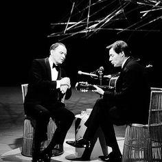 Frank Sinatra e Tom Jobim, 1967 #luxosqueoimpériotece #brasil #arte #musica #bossanova #jazz #franksinatra #sinatra #tomjobim #antoniojobim #jobim #império #imperivm #imperivmriodejaneiro | Frank Sinatra and Tom Jobim, 1967 #luxuriesthattheempireweaves #brazil #art #music #bossanova #jazz #franksinatra #sinatra #tomjobim #antoniojobim #jobim #empire #imperivm #imperivmriodejaneiro