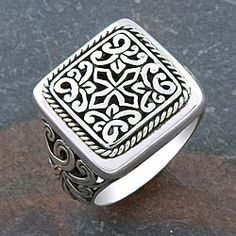 Enhance your look with this handmade sterling-silver Indonesian ring crafted by talented artisans. Handmade from pure sterling-silver this Cawi Motif ring completes your outfit adding originality and beauty and being suitable for any occasion. Mens Sterling Silver Necklace, Mens Silver Rings, Handmade Sterling Silver, Silver Bracelets, Sterling Silver Jewelry, Silver Earrings, Garnet Necklace, Onyx Necklace, 925 Silver