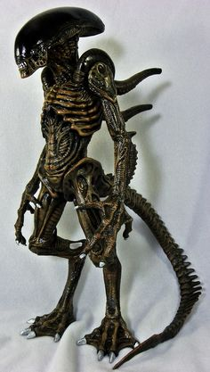 ALIEN: RESURRECTION ALIEN WARRIOR by Tsukuda (custom painted by Reverend)