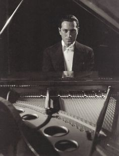 A Portrait Of George Gershwin At A Piano by Edward Steichen, February 1932 Edward Steichen, Harlem Renaissance, An American In Paris, Rhapsody In Blue, Alfred Stieglitz, Piano Player, Music Composers, Jazz Blues, Jolie Photo