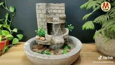 Diy Water Fountain, Diy Garden Fountains, Diy Crafts For Home Decor, Creative Crafts, Waterfall For Home, Indoor Waterfall, Waterfall Fountain, Cement Design, Cardboard Box Crafts