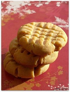 Angry Asian Creations | Peanut Butter Cookies: because  the peanut butter cookies I made years ago were dry and not very chewy. I prefer soft cookies :P