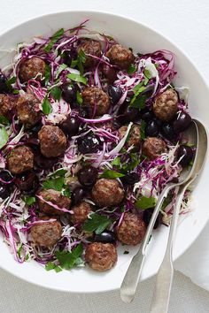 A festive salad packed with flavour, this tasty recipe is a wonderful addition to your Christmas feast. Christmas Roast, Weekly Recipes, Roast Dinner, Tasty Recipe, Cabbage Salad, Meals For The Week, Summer Salads, No Cook Meals, Finger Foods