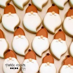 Lots of itty-bitty fall gnomes will be paying it forward at the Studio! Fall Cookies, Christmas Sugar Cookies, Cute Cookies, Cupcake Cookies, Christmas Desserts, Christmas Baking, Cupcakes, Lemon Cookies, Iced Cookies