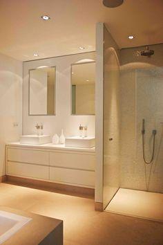 1-faience-salle-de-bain-leroy-merlin-mosaique-beige-pour-les-murs-dans-la-salle-de-bain.jpg 700×1.050 pixels