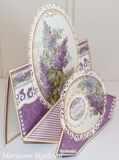 Today I have a diamond fold card to show you. I have used the beautiful purple My Precious Daughter papers.Have a nice day,Marianne.Pion products:My Precious Daughter – Syringa PD4909My Precious Daughter – Julia`s dress PD4908My Precious Daughter – Borders PD4910Memory Notes -…