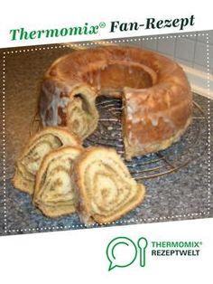Hefekranz mit Nussfüllung von Martina Kaiser. Ein Thermomix ® Rezept aus der Kategorie Backen süß auf www.rezeptwelt.de, der Thermomix ® Community.