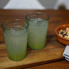Gin hass – en lækker drink med gin – Mad for Madelskere Drinks Med Gin, Cocktails, High Protein Recipes, Low Carb Recipes, Healthy Choices, Healthy Life, Oktoberfest Menu, Easy To Digest Foods, Low Fat Cheese