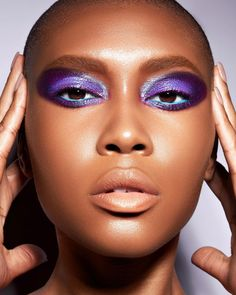 Beauty Makeup, Eye Makeup, Butterfly Eyes, Graphic Eyes, Latest Makeup Trends, Color Vision, Makeup News, Face Forward, Perfect Makeup