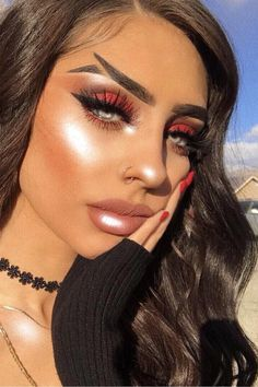 Get 1 Step Closer to Becoming a Mermaid With This Fishtail Brow Trend