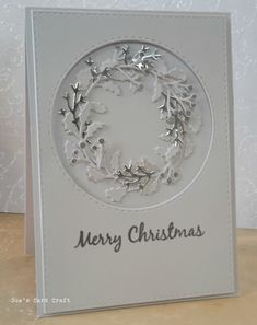 Sue's Card Craft: Holly wreath